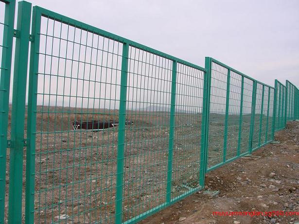 铁路防护栅栏厂家 铁路线路防护栅栏