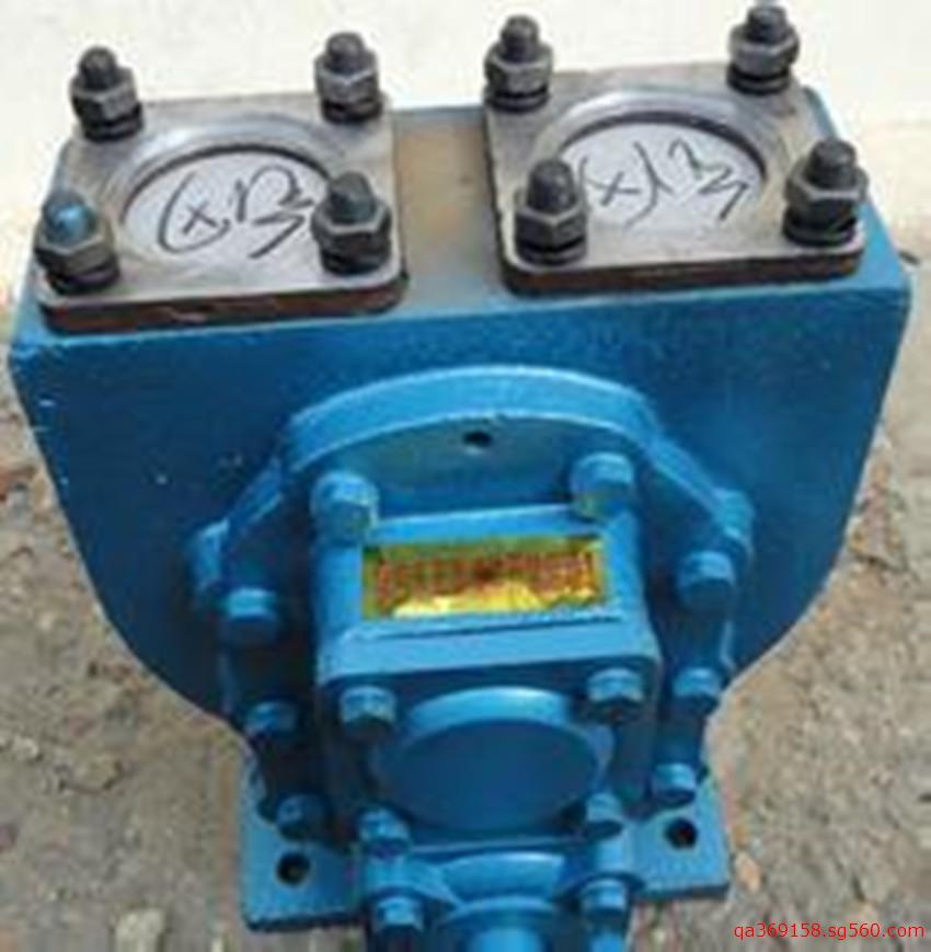 汽车圆弧齿轮泵/油罐车卸载泵 油车输送泵 车载油泵 YHCB系列圆弧齿轮油泵主要使用于输送粘度在5-1500cst,不含固体颗粒,温度不超过摄氏80度的各种液体,如汽油,煤油,柴油及机械润滑油。是槽车和石油部门的理想优选泵种。该泵采用双圆弧齿轮结构,是适应输油泵需要发展的新产品,是高效节能的特殊齿轮泵。具有流量大,压力高,体积小,噪声低,输入转速低,自吸性能强,安装维修方便等优点。 该泵可安装在汽车上,借助汽车变速箱的取力器输出轴传动。 型号意义: 80YHCB-60 80-进出口直径 YHCB-圆弧齿轮