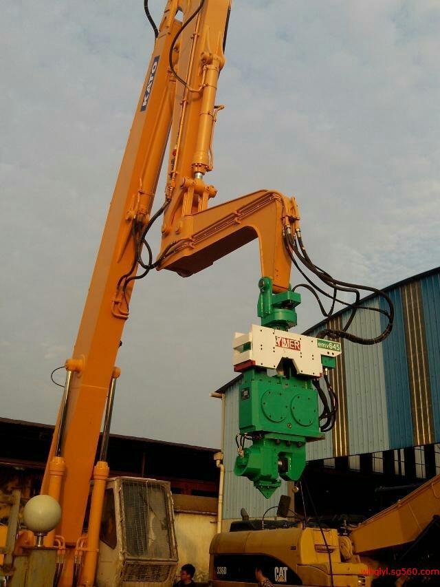 加藤1430挖掘机液压打桩机-震动锤 加藤打桩臂 挖掘机打桩臂图片