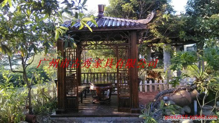 碳化木别墅凉亭