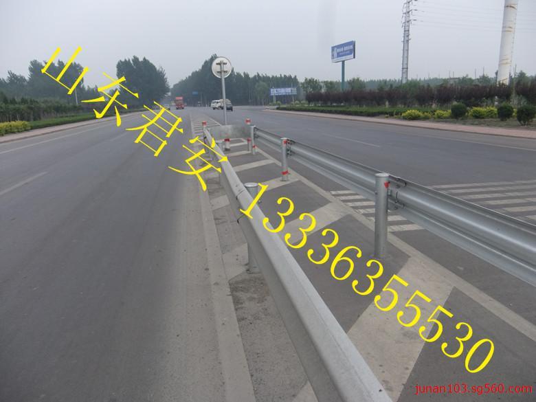 供应湖北黄梅县公路波形防护栏【高速公路护栏】