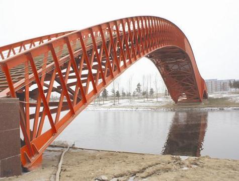 钢结构网架除锈刷油漆防腐