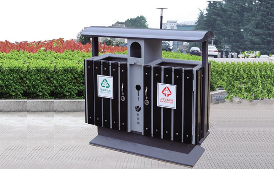 户外钢木分类垃圾桶 钢木垃圾桶厂家供应 户外钢木垃圾桶 钢木分类垃圾桶ZH3010 尺寸:400*400*750mm 板材厚度:钢板1.0 材质:钢木 配件:内桶+钥匙 ZH3010分类垃圾桶,又称之为多功能垃圾箱,分为:可回收桶+不可回收桶+烟灰盅+电池桶,符合环保分类意识。 产品优势: 1.功能齐全 2.