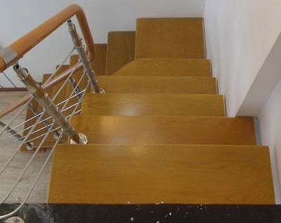 楼梯踏步板有没有用实木复合地板做的 楼梯踏板 钢木楼梯踏板